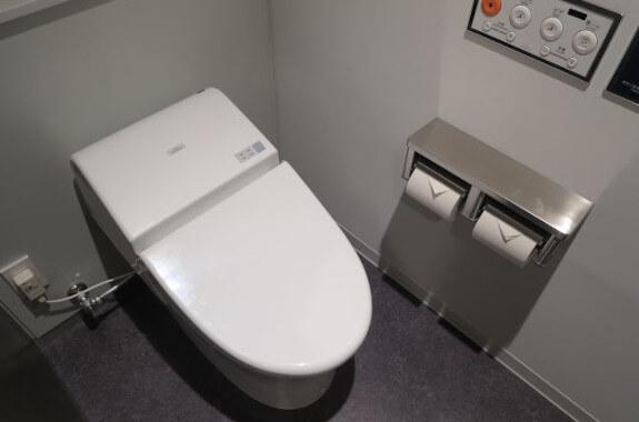 7階トイレ 個室